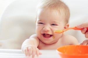 Babynahrung mit einem Wasserkocher richtig zubereiten
